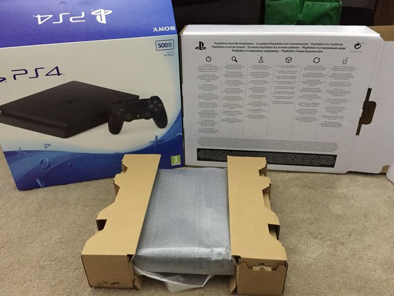 Rumor PS4 Slim 9