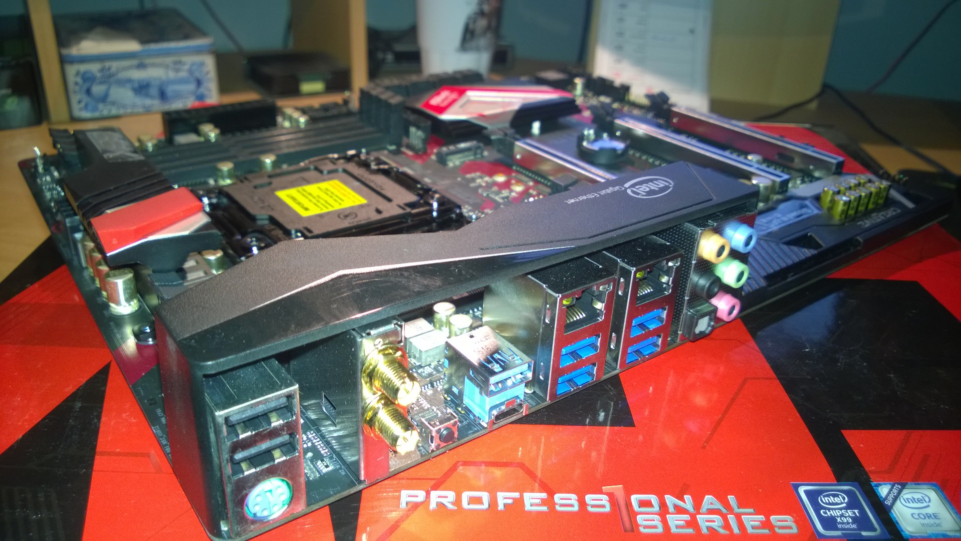 WP_20161219_0ASRock Fatal1ty X99 Professional Gaming i7 39
